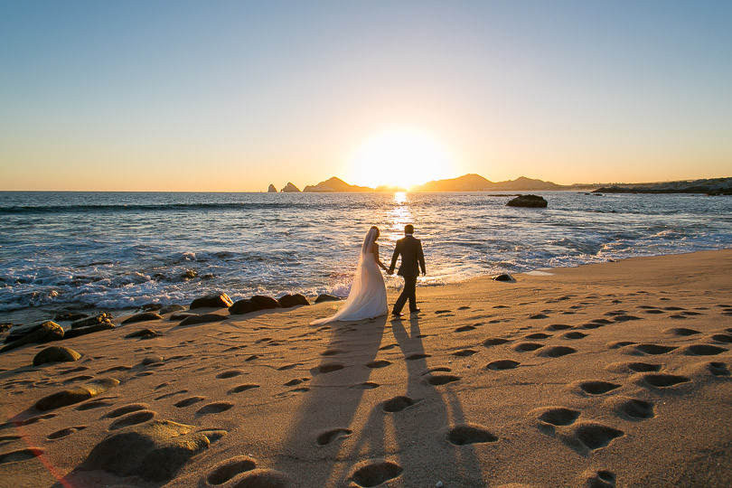 Cabo Wedding photographers Ana & Jerome at Sunset da Mona Lisa-35