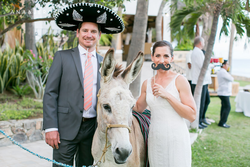 Cabo wedding photographers at Cabo Surf Hotel-114