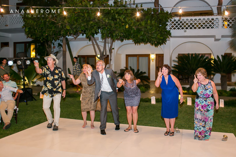Cabo wedding photographers at Cabo Surf Hotel-131
