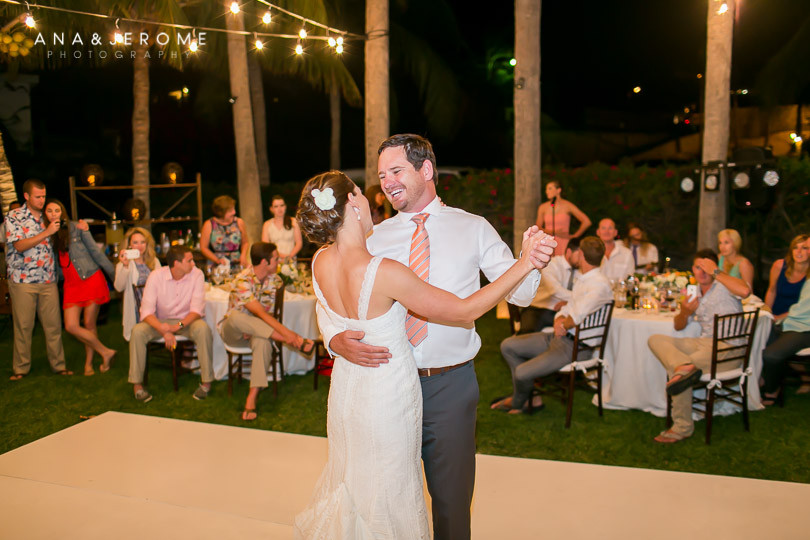 Cabo wedding photographers at Cabo Surf Hotel-136