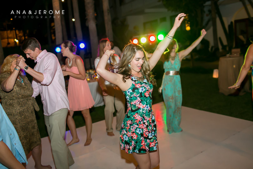 Cabo wedding photographers at Cabo Surf Hotel-141