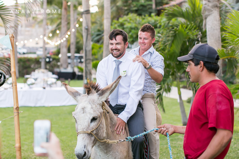Cabo wedding photographers at Cabo Surf Hotel-92